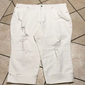 Terra & sky white Capri pants size 26W NWOT
